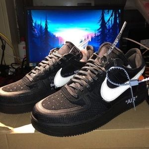 Off White Air Force 1 Size 8.5 (CHECK COMMENTS)